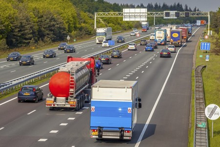 El 40% de los camioneros y autobuseros no cumple con los descansos estipulados: la DGT multa en una semana a 4.943 conductores