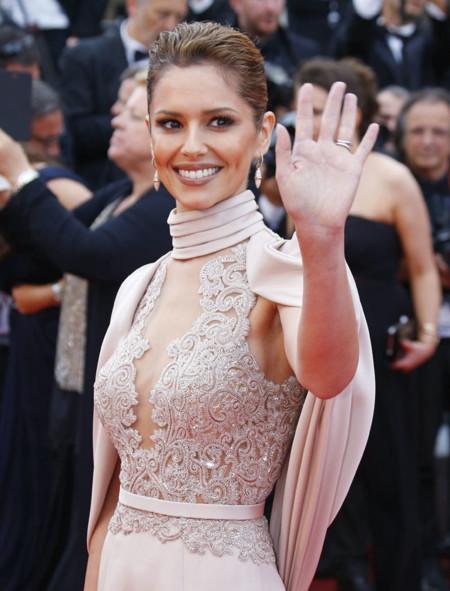 Cannes logra lo imposible: refinar el estilo de Cheryl Cole convertida en una princesa de cuento