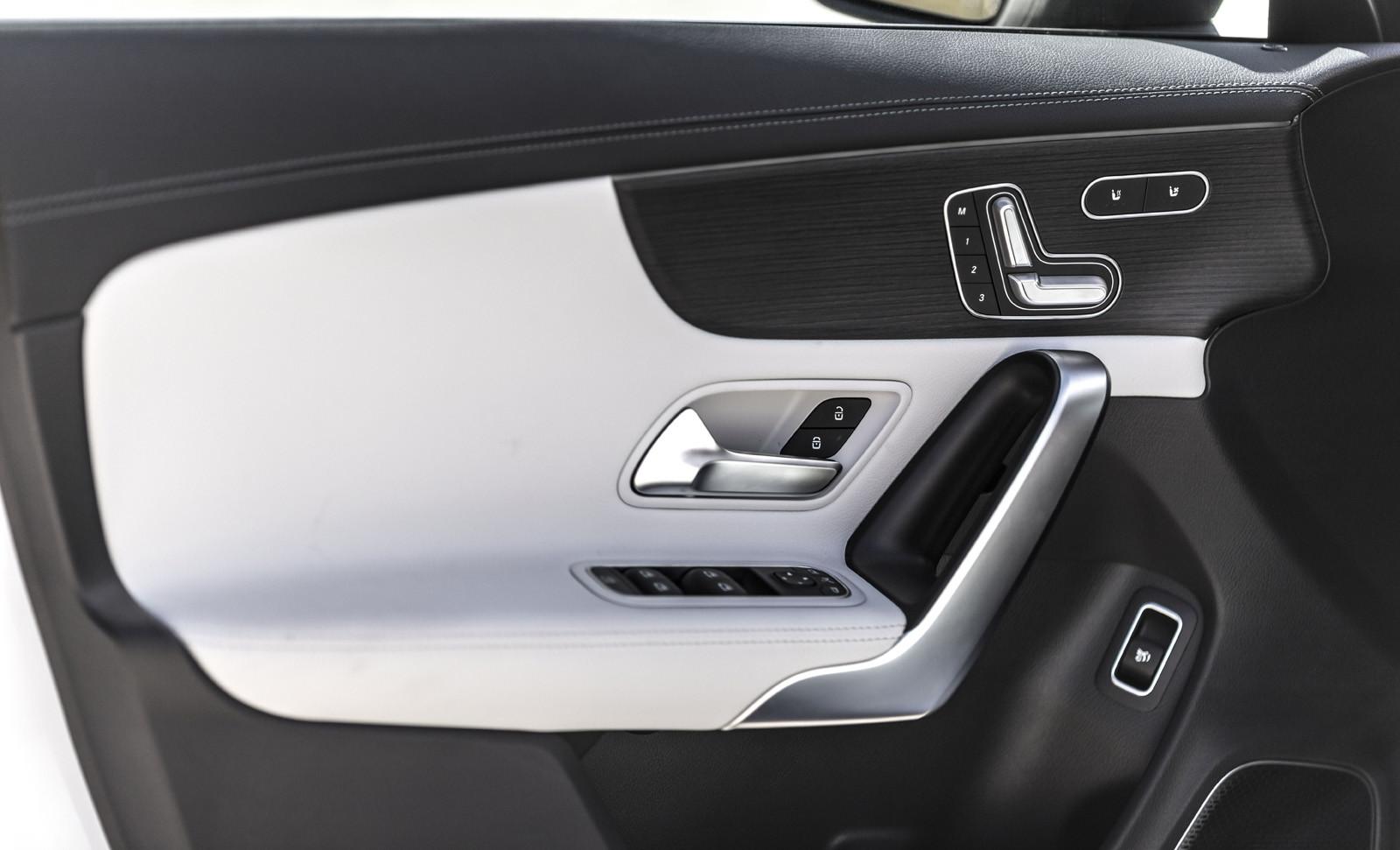 Foto de Mercedes-Benz CLA Coupé 2019, toma de contacto (116/248)