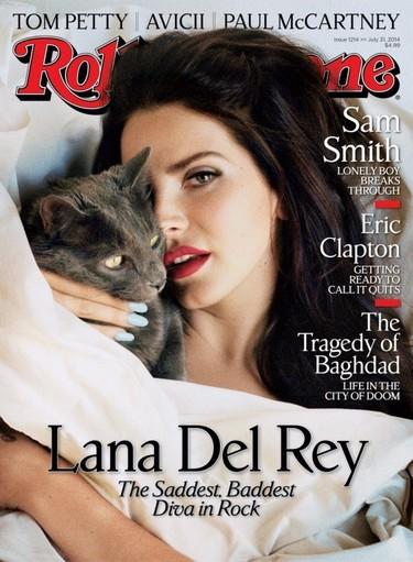 Lana del Rey no sabe si seguirá en la música, pero a nosotros nos flipan sus portadas
