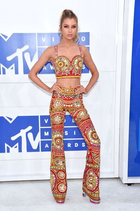Stella Maxwell en los MTV Video Musica Awards