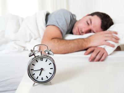 Procura dormir bien más que nunca en estas fechas: siete consejos que pueden ayudarte