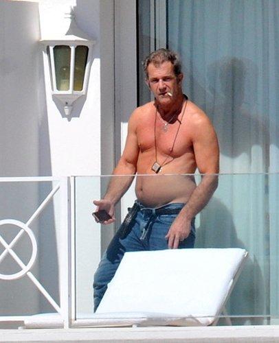 Mel Gibson pasa de Braveheart a Hommer Simpson
