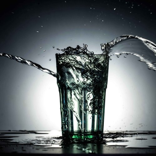 Conoce los cinco mitos más frecuentes sobre la hidratación y cómo aplicarlos a favor de tu salud