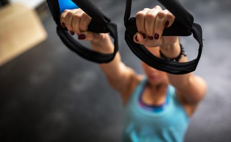 HIIT en suspensión: un entrenamiento por intervalos con tu TRX para ayudarte a bajar de peso