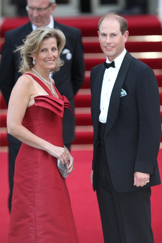 Foto de Todas las asistentes a la cena de gala de la boda del príncipe Guillermo y Kate Middleton (8/19)