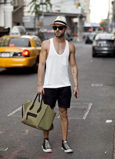 El Mejor Street Style De La Semana Blanco Y Negro Combinacion Triunfante 2020 Trendencias Hombre 03