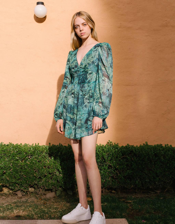 Vestido con estampado tropical