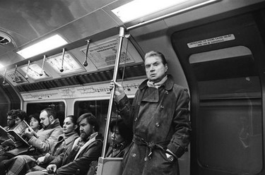 Vintage 80's: London Street Photography, un libro de estilo de calle por Johnny Stilleto