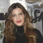 Una estilizada pero embarazadísima Sara Carbonero presta su imagen para Agatha Paris