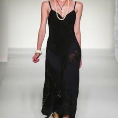Foto 33 de 43 de la galería moschino-primavera-verano-2012 en Trendencias