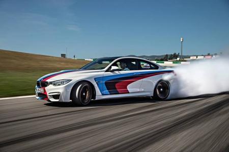 BMW M4 Coupé drifting