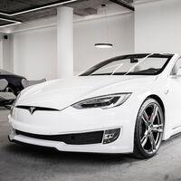 Ares Design se atreve a descapotar al Tesla Model S, dando vida a otro de los pocos eléctricos cabrio que existen