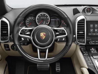El próximo Porsche Cayenne dice no (parcialmente) al  virtual cockpit
