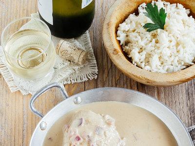 Muslitos de pollo en salsa cremosa de vino blanco. Receta