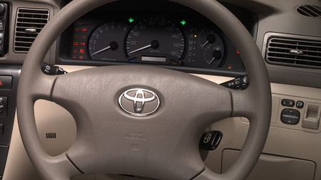 Más coches van a ir a revisión por los airbags de Takata Corp.