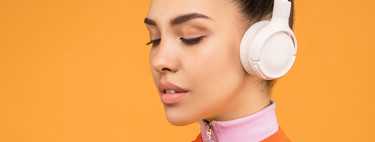 We have to talk about headphones: use, volume and hearing loss