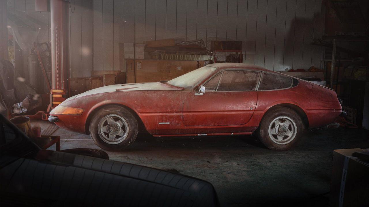 Ferrari 365 GB4/4 Daytona Berlinetta Alloy by Scaglietti