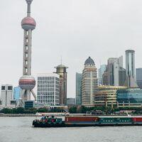 Qué es la política de trabajo 996 de China y por qué ahora la justicia la prohíbe