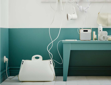 Una práctica bolsa de IKEA para ocultar los cables de nuestra casa