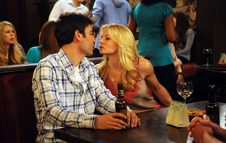 ted mosby and girfriend blonde