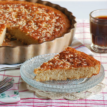 Bizcocho de yogur de cabra y almendra con naranja confitada: receta golosa para la sobremesa