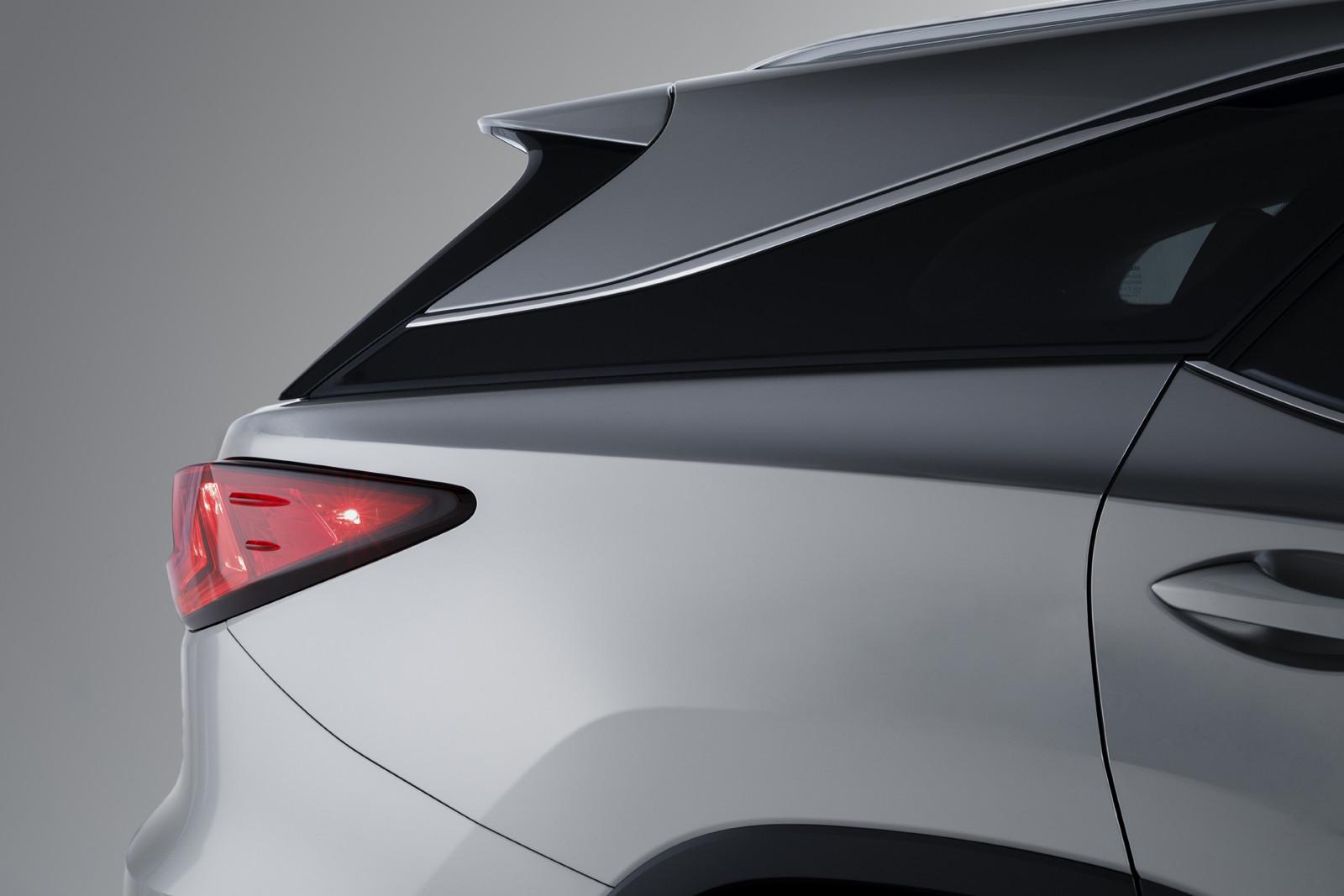 Foto de Lexus RX 450h L (presentación) (17/18)