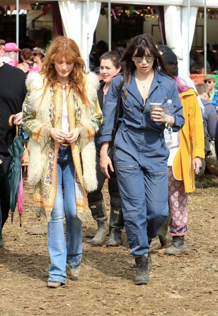 Florence Welsh y Daisy Lowe en 2015