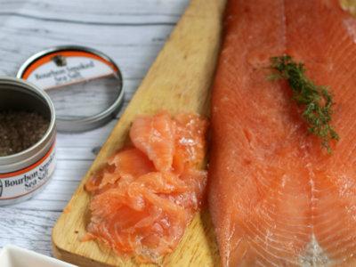 Cómo hacer salmón ahumado casero con toque de Bourbon