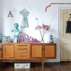 Foto 2 de 5 de la galería decorar-con-vestidos en Decoesfera