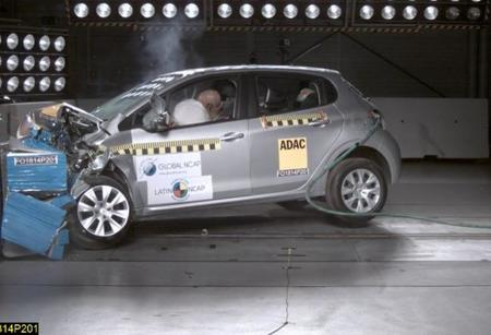 Peugeot 208 LatinNCAP.jpg