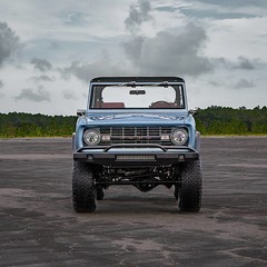 ford-bronco-1973-by-velocity-restorations