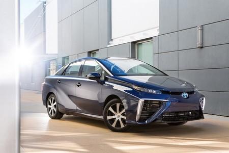 Toyota está dispuesta a perder hasta 100.000 euros por cada coche a hidrógeno que  venda