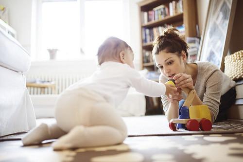 Sí, soy afortunada por poder ser una mamá que se queda en casa, pero eso no significa que sea fácil