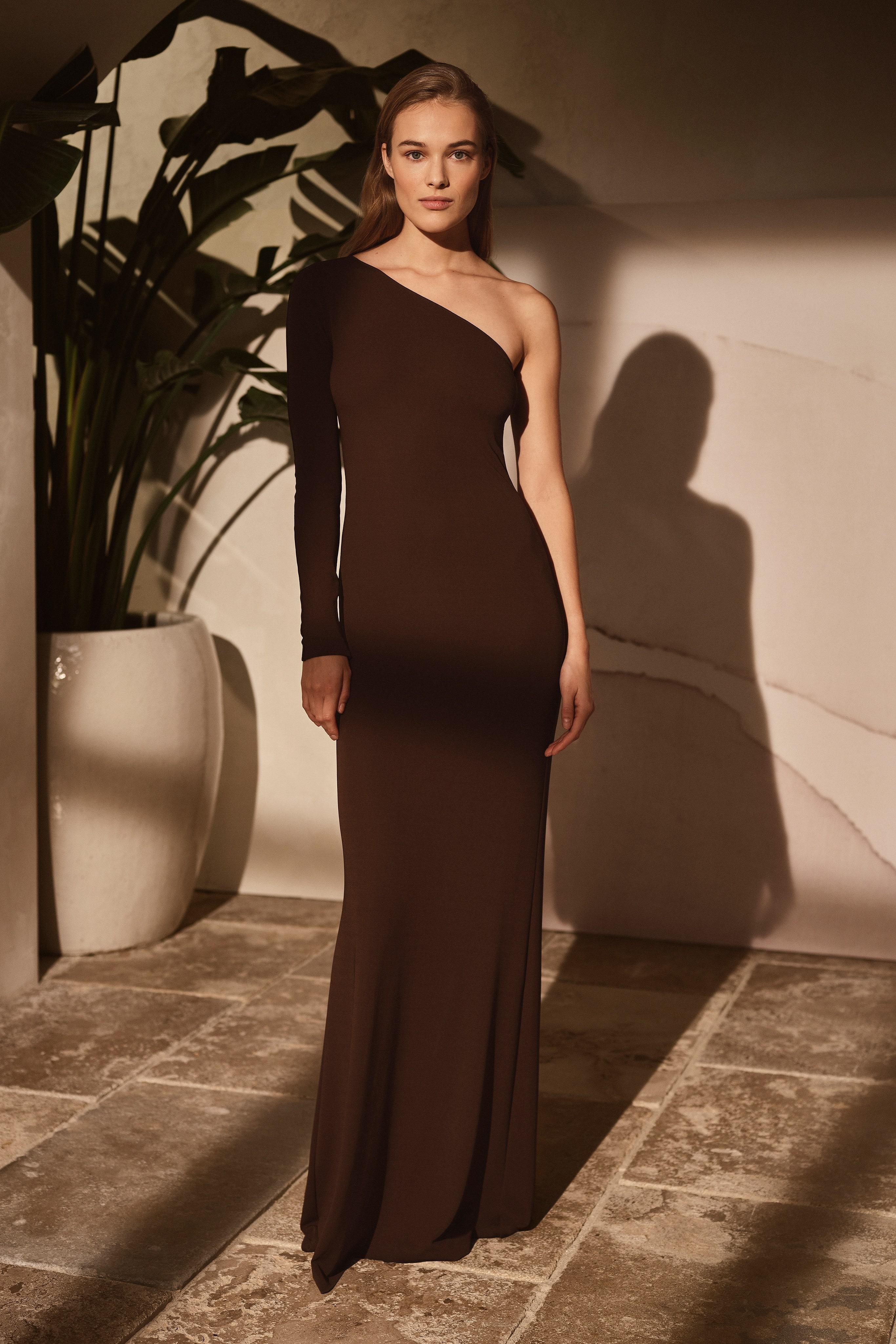 Vestido de noche asimétrico
