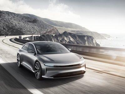 Este coche eléctrico quiere batir a Tesla con 1.000 CV y mucho lujo: Lucid Air se pasea por San Francisco