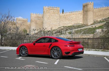 Porsche 911 Turbo lateral