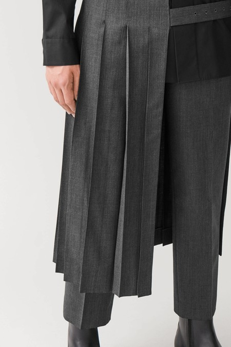 COS experimenta con la falda masculina para sumarla a nuestros looks este invierno