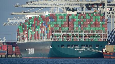 Los efectos del atasco del Ever Given siguen sintiéndose mes y medio después: el coste por contenedor es más alto que nunca
