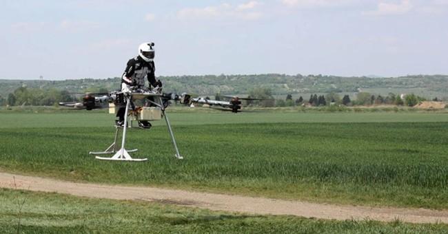 No, no es la Speeder bike de Star Wars, es Flike, la nueva moto voladora