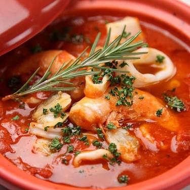 Pozole de Mariscos. Receta de la cocina mexicana del chef TanganXhoan Cortés