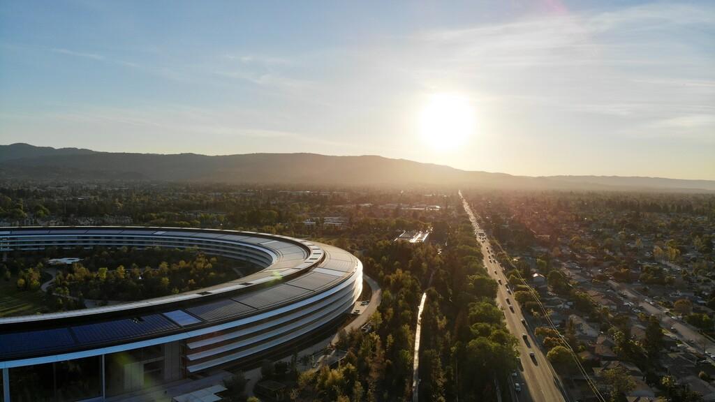 El decano y vicepresidente de la Apple™ University elucida la organización interna de Apple™ en un reciente artículo