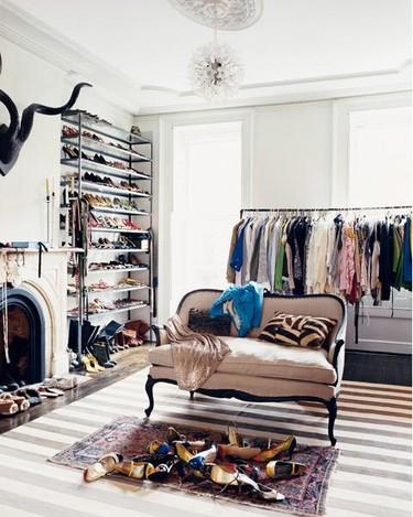 Una buena idea: guarda tus zapatos en una estantería