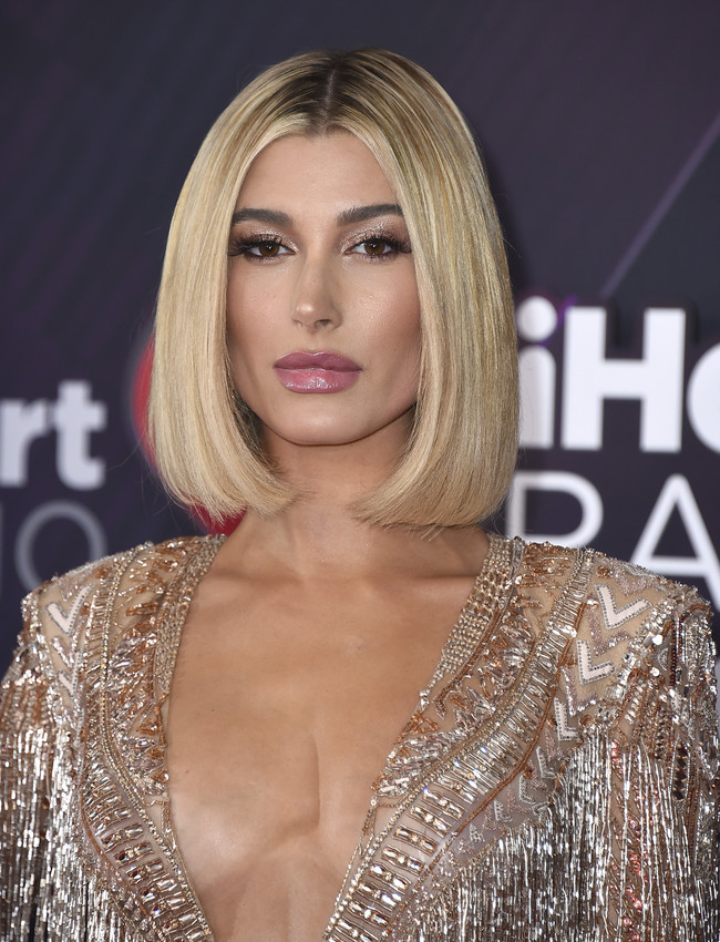 Iheartradio Music Awards Hailey Baldwin 1