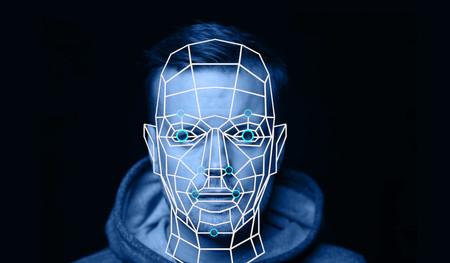 Facebook desactiva el reconocimiento facial por defecto, en vez de escanear automáticamente las caras de los usuarios