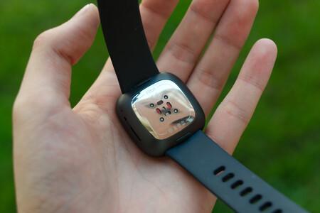 Fitbit Sense 11