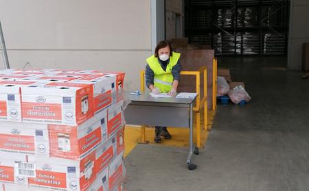 """Los bancos de alimentos siguen dando comida, pero piden ayuda para afrontar una situación crítica: """"Estamos desbordados"""""""