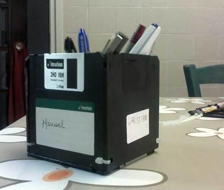lapicero con disquettes