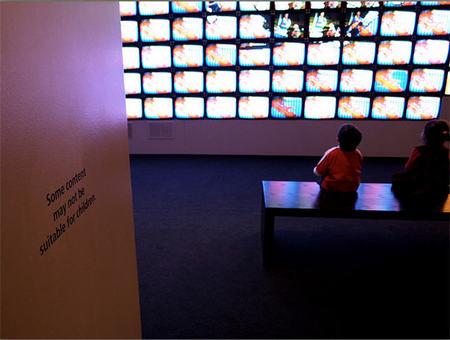 La televisión emite imágenes que pueden crear crisis epilépticas en niños fotosensibles