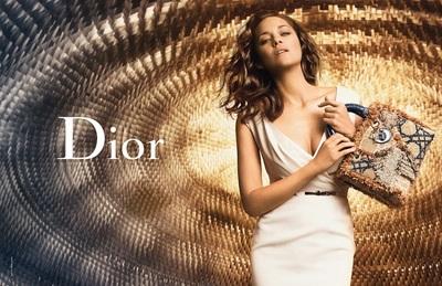 Marion Cotillard nos vuelve a presentar la nueva colección de Lady Dior